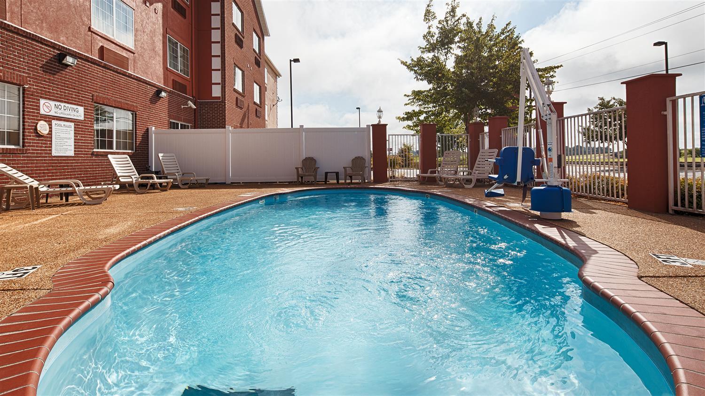 Pool - Best Western Plus Olive Branch Hotel & Suites