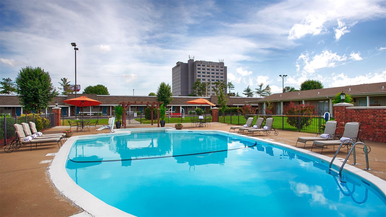 Pool - Best Western Coach House Inn Springfield