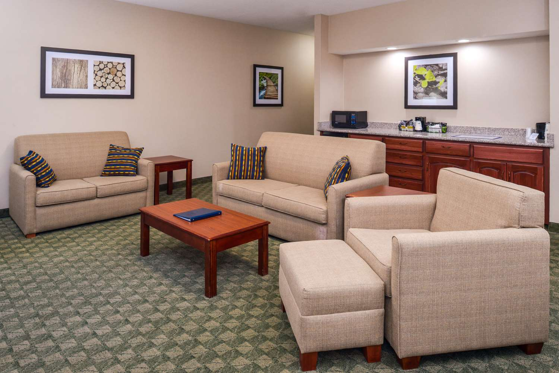 Suite - Best Western Big Spring Lodge Neosho