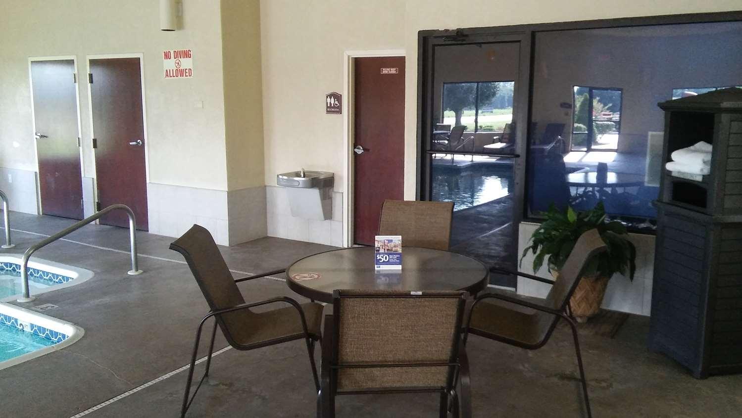 Pool - Best Western Plus Springfield Airport Inn