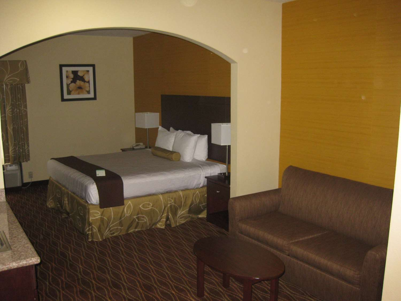 Suite - Best Western Plus Springfield Airport Inn