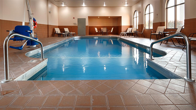 Pool Best Western Plus Hotel Sikeston
