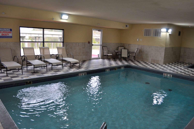 Pool - Best Western Plus Columbia Inn
