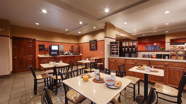 Restaurant - Best Western Desert Inn West Yellowstone
