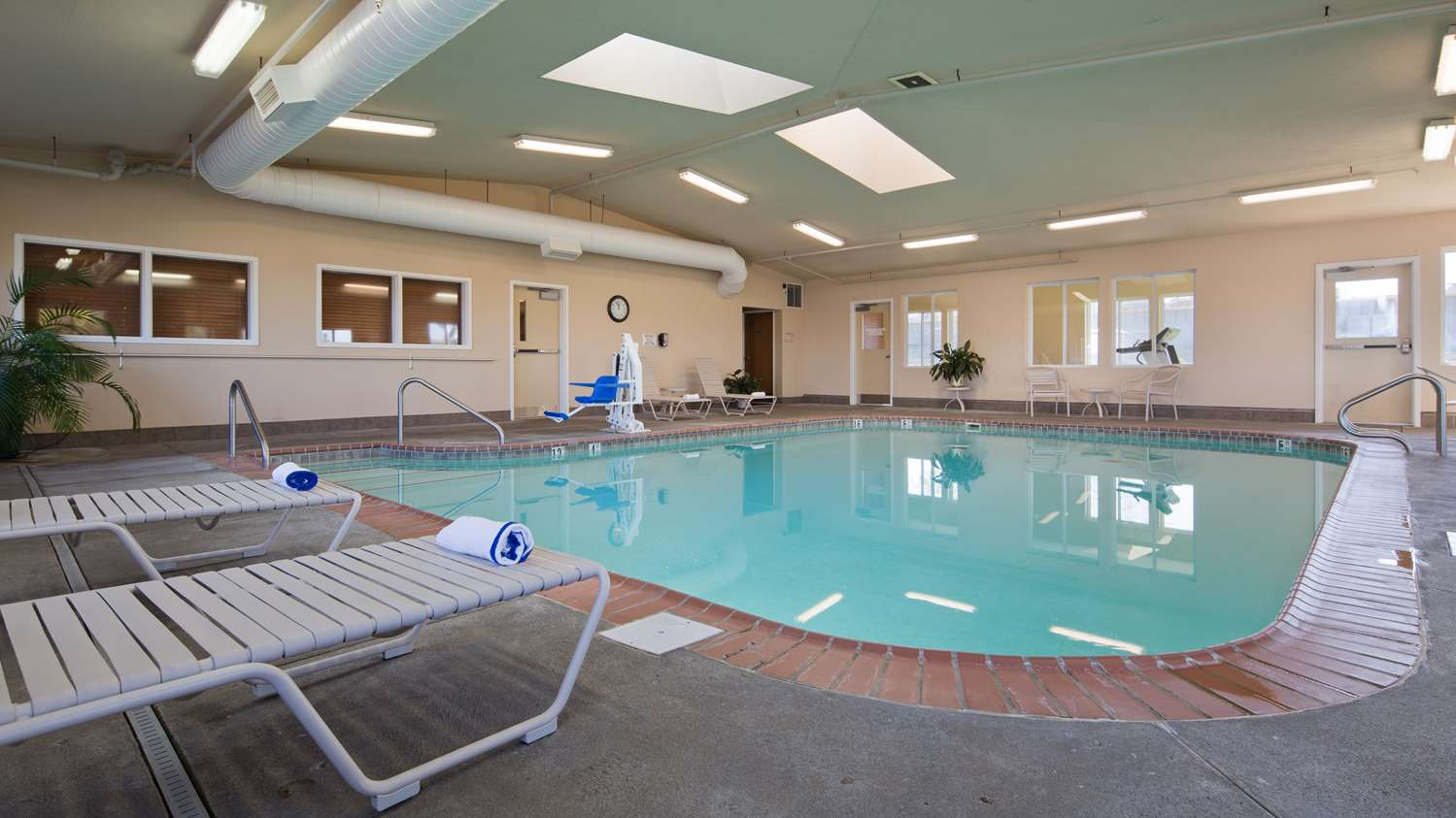 Pool - Best Western Inn Nebraska City