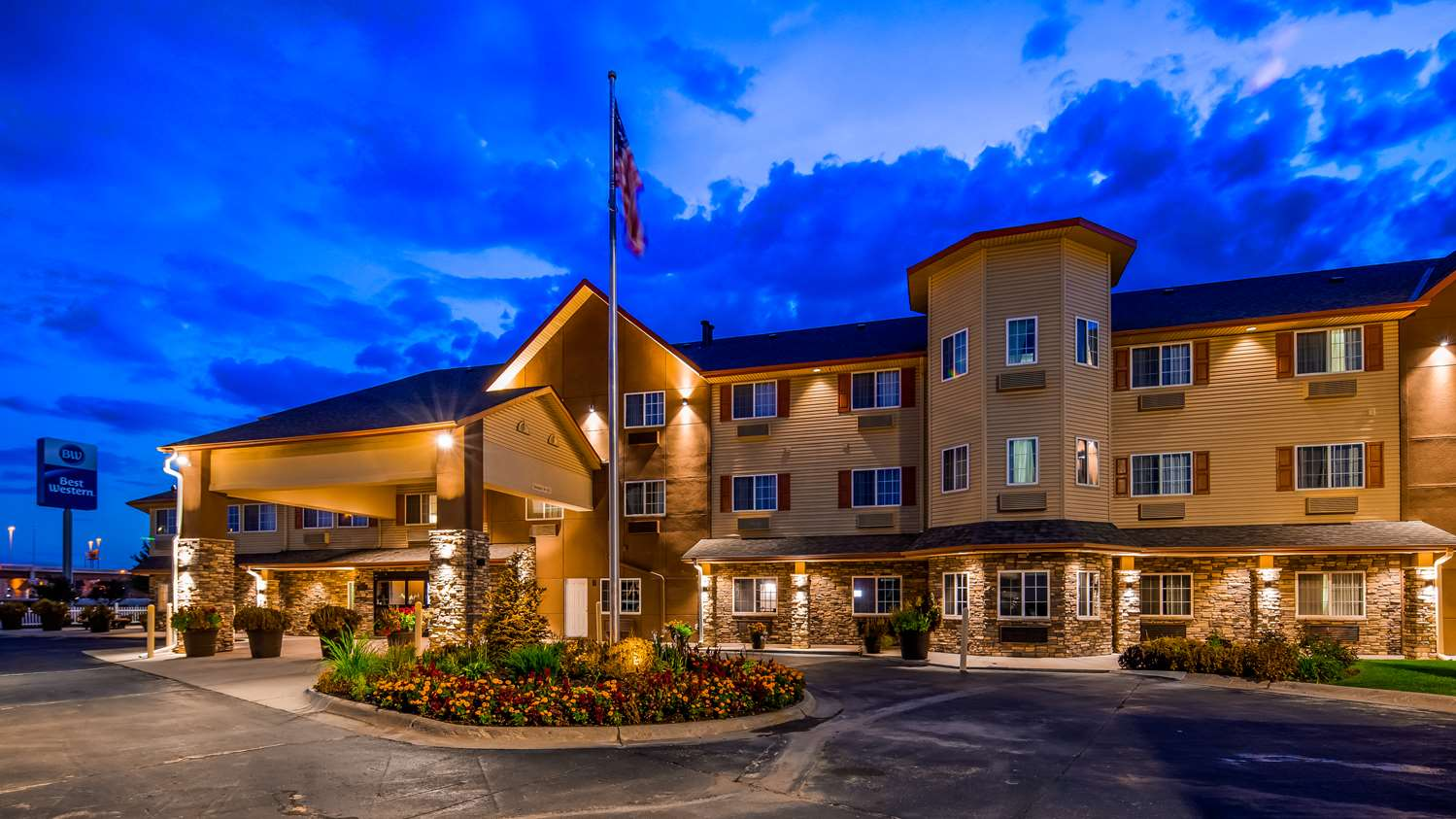 Exterior view - Best Western Old Mill Inn Omaha