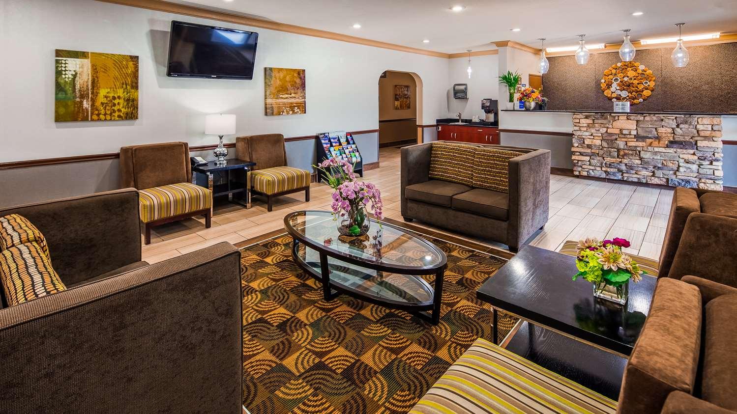 Lobby - Best Western Old Mill Inn Omaha
