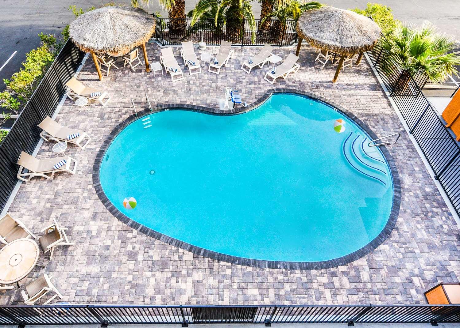 Pool - Best Western McCarran Inn Las Vegas