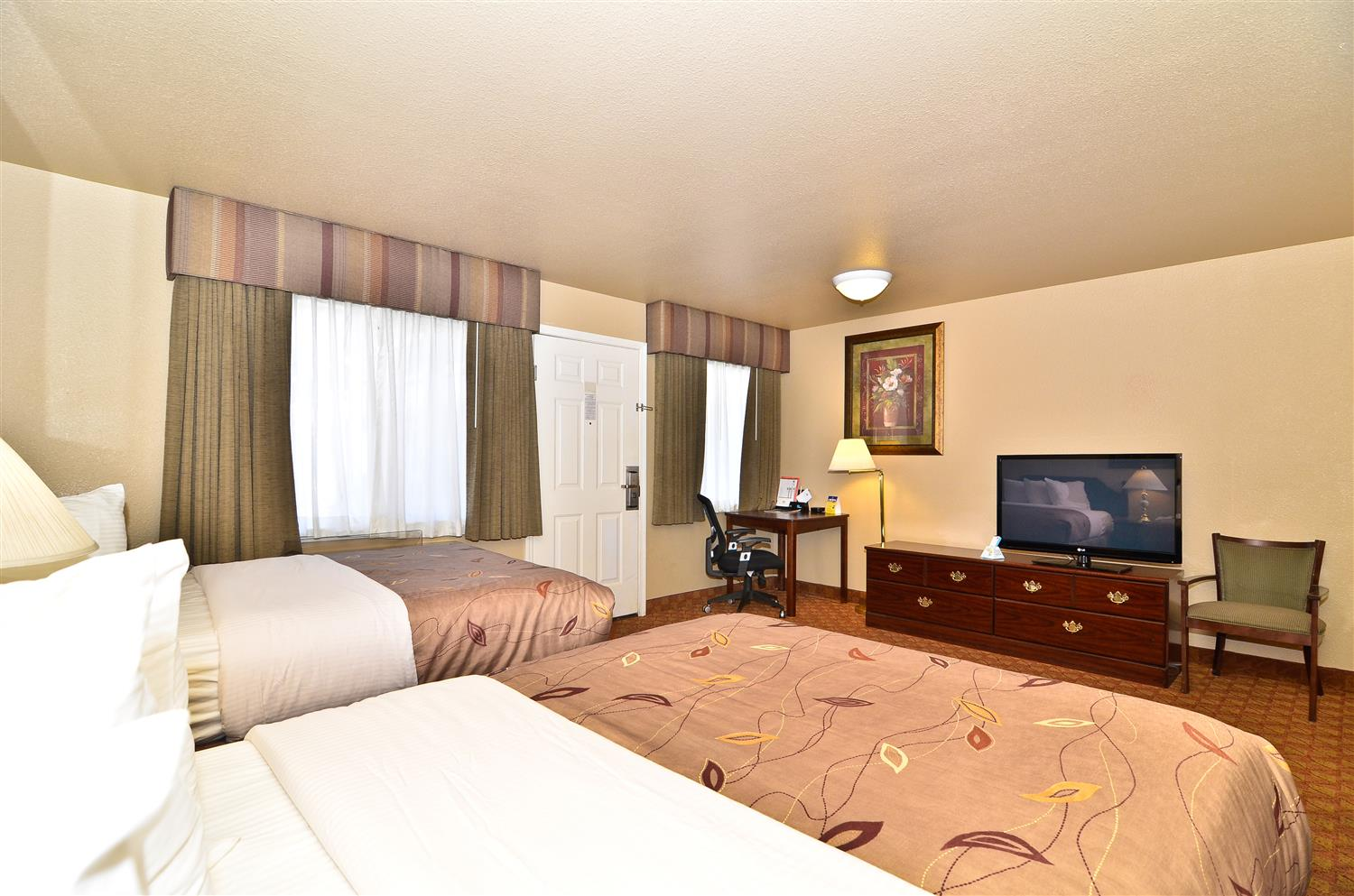 Room - Best Western Fallon Inn & Suites
