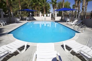 Pool - Best Western Pahrump Station Inn