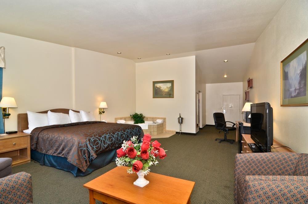 Suite - Best Western Topaz Lake Inn