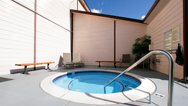 Pool - Best Western Topaz Lake Inn