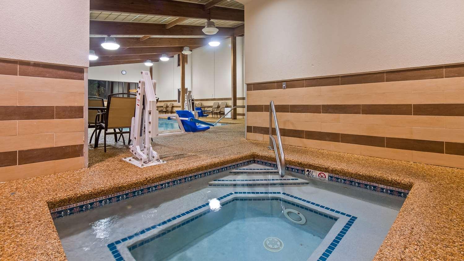 Pool - Best Western Plus Portsmouth Hotel & Suites