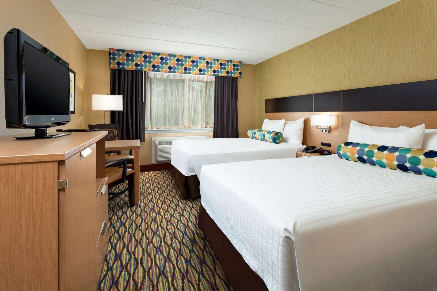 Room - Best Western Leisure Inn Lakewood