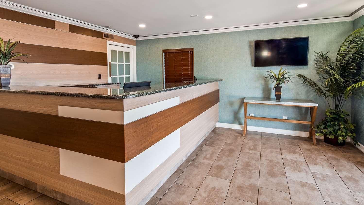 Lobby - Best Western Leisure Inn Lakewood