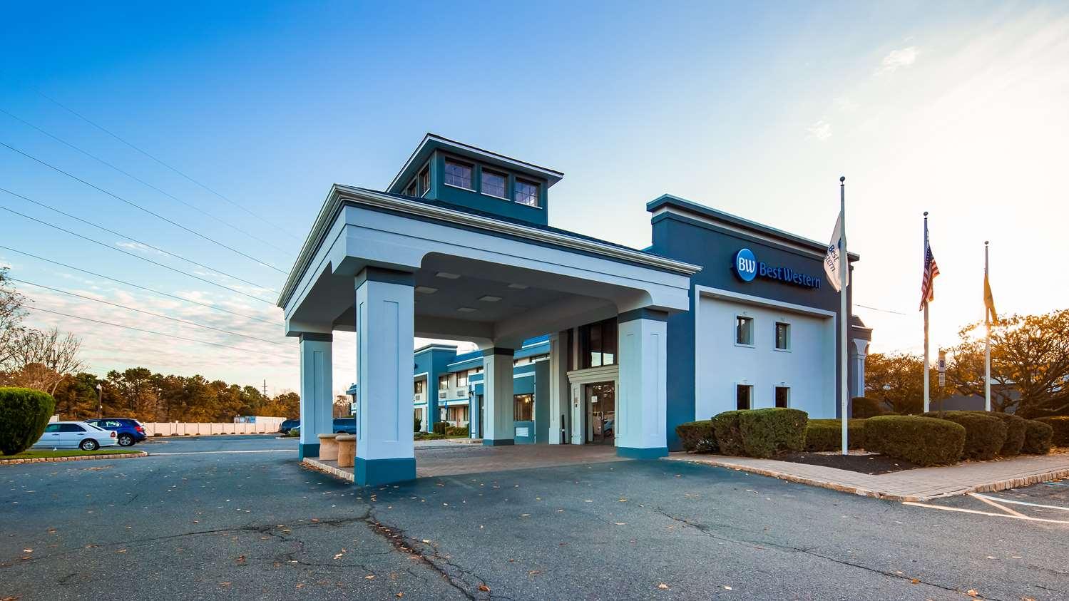 Exterior view - Best Western Leisure Inn Lakewood