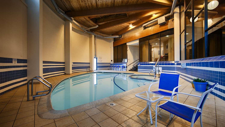 Pool - Best Western Bordentown Inn