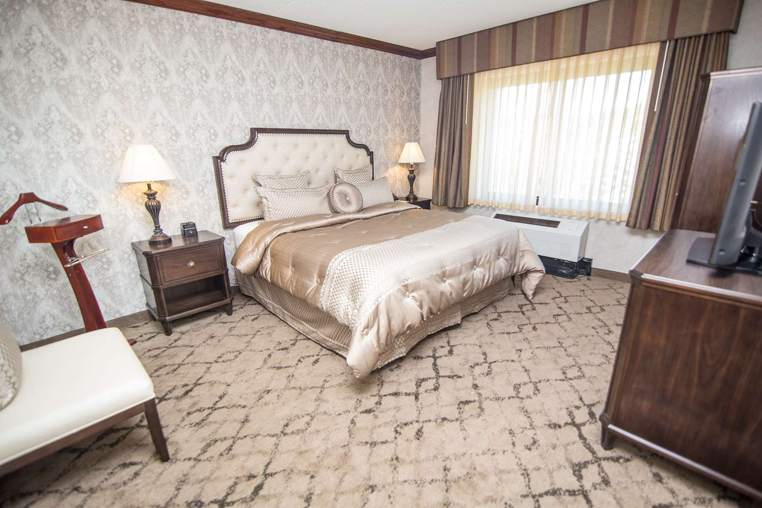 Suite - Best Western Plus Executive Inn Fairfield