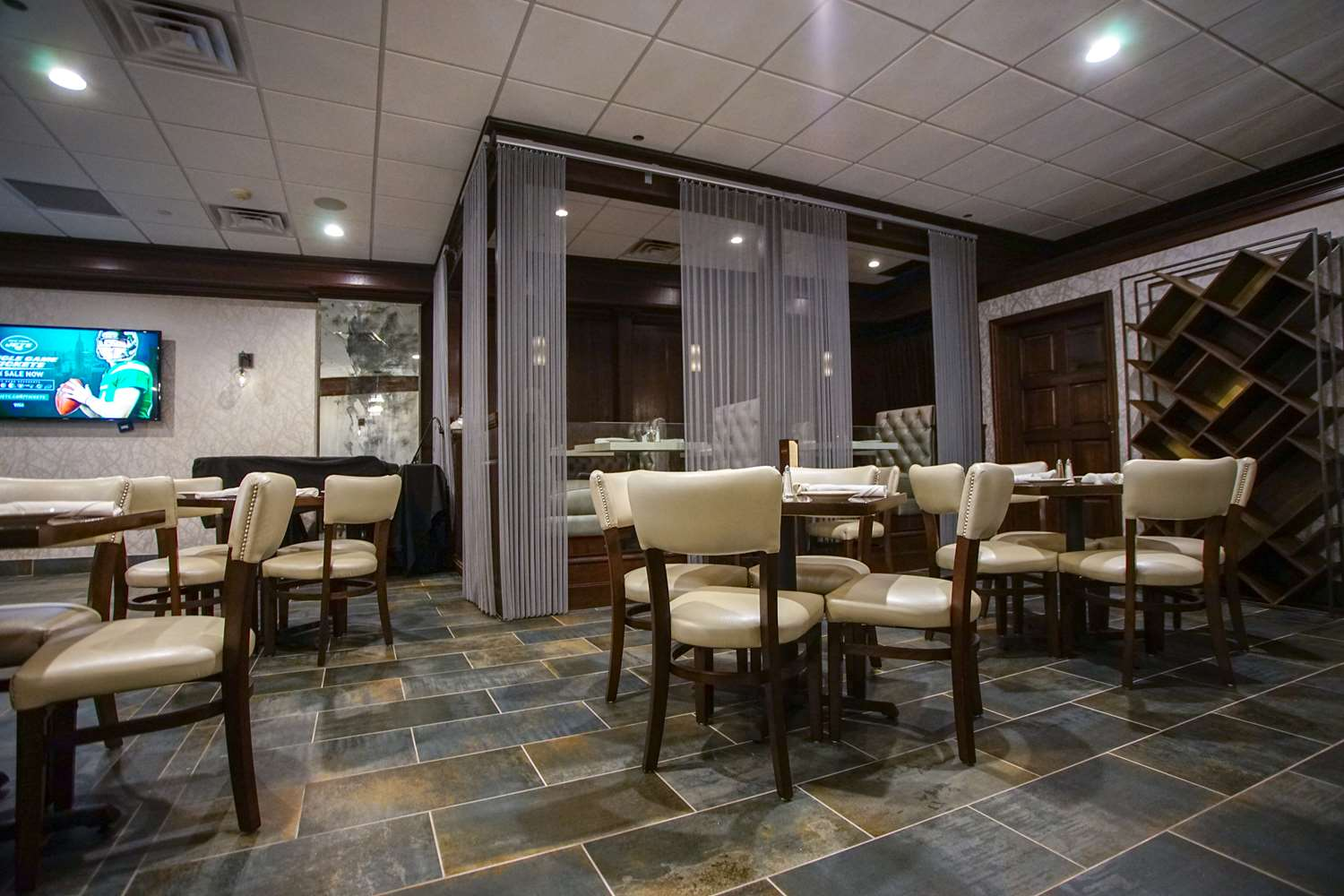 Bar - Best Western Plus Executive Inn Fairfield