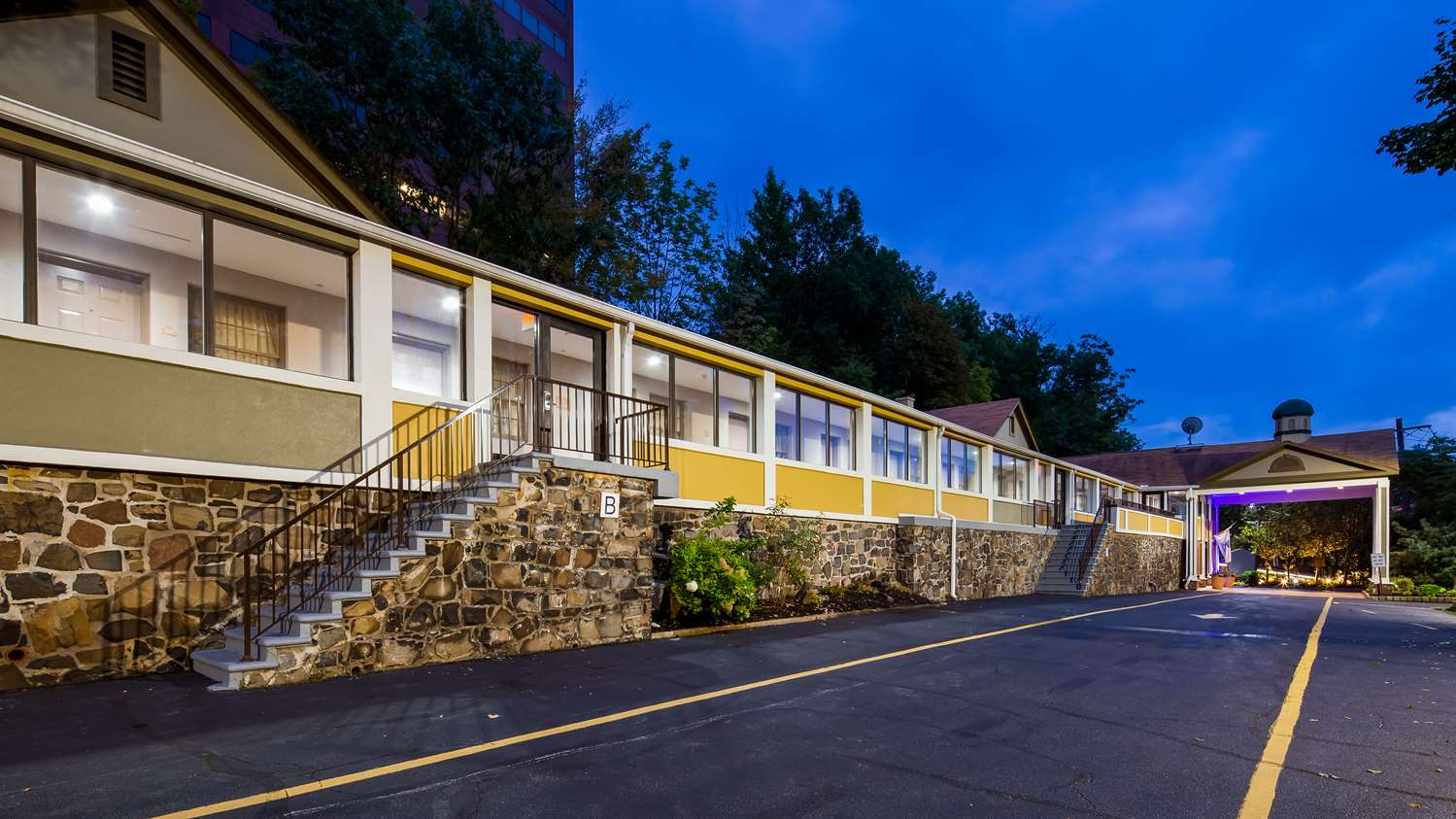 Exterior view - Best Western Fort Lee Inn