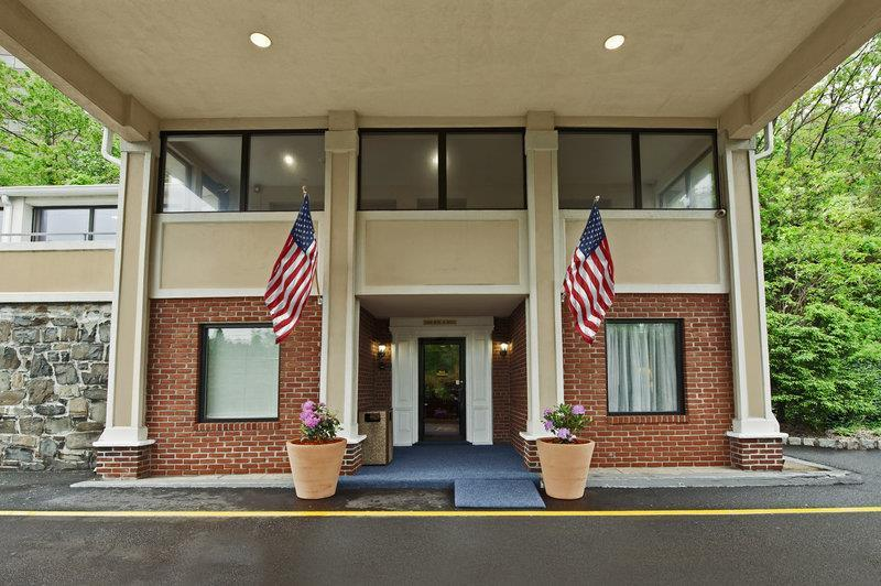Exterior view - Best Western Fort Lee Inn