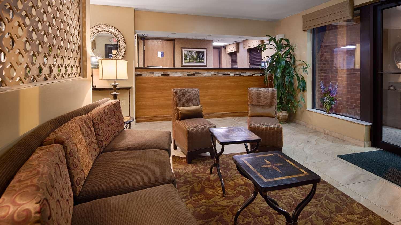 Lobby - Best Western Inn & Suites Monmouth Junction