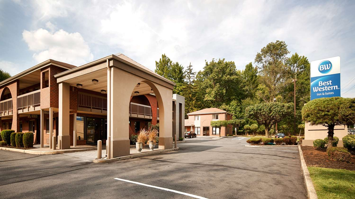 Exterior view - Best Western Inn & Suites Monmouth Junction