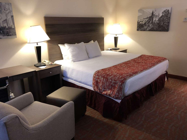 Room - Best Western Inn & Suites Monmouth Junction