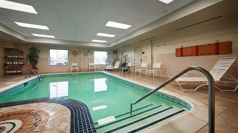 Pool - Best Western Riverview Inn Suites Rahway
