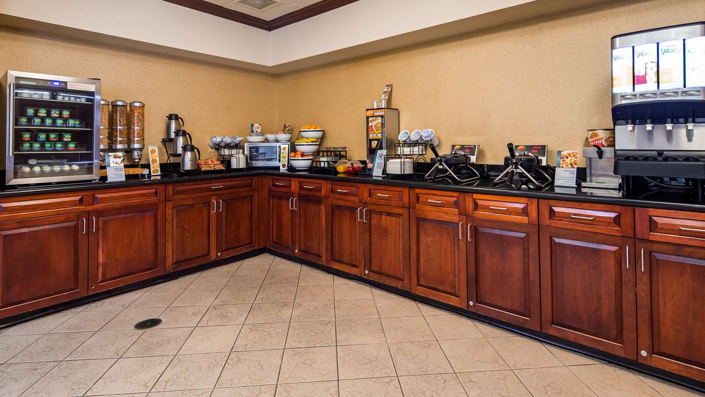 Restaurant - Best Western Monroe Inn & Suites Williamstown