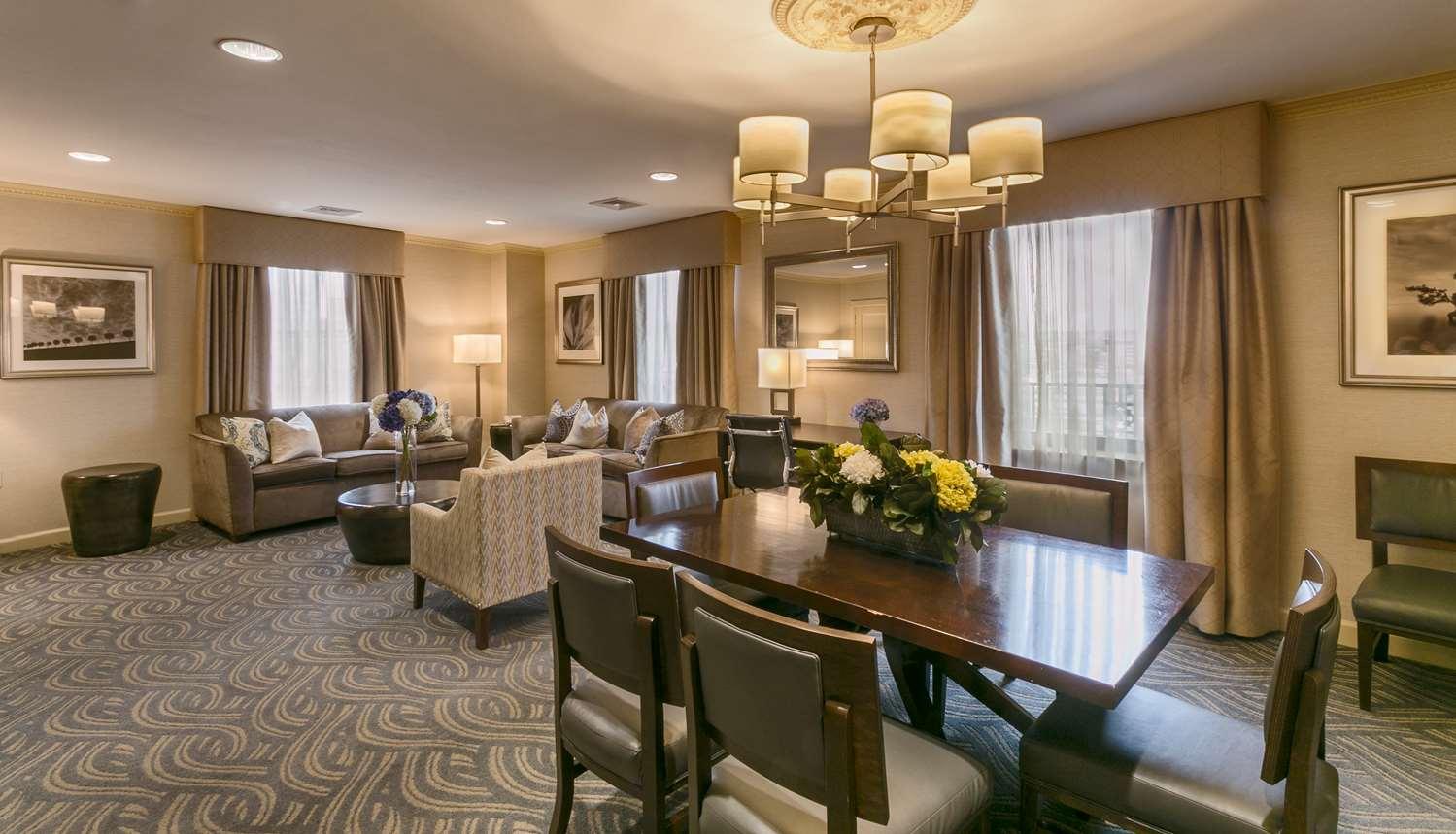 Suite - Best Western Plus Robert Treat Hotel Newark