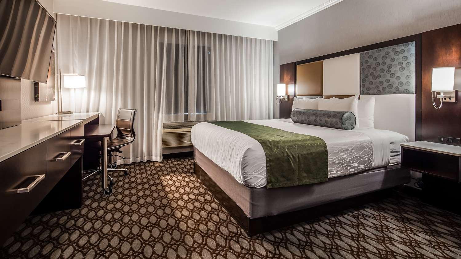 Room - Best Western Premier NYC Gateway Hotel North Bergen