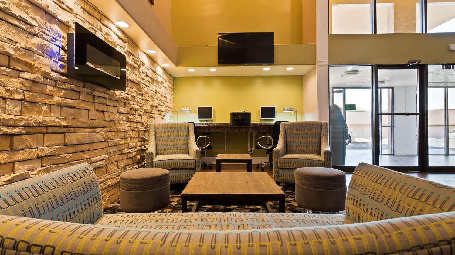 Best Western InnSuites Hotel & Suites Albuquerque, NM - See Discounts