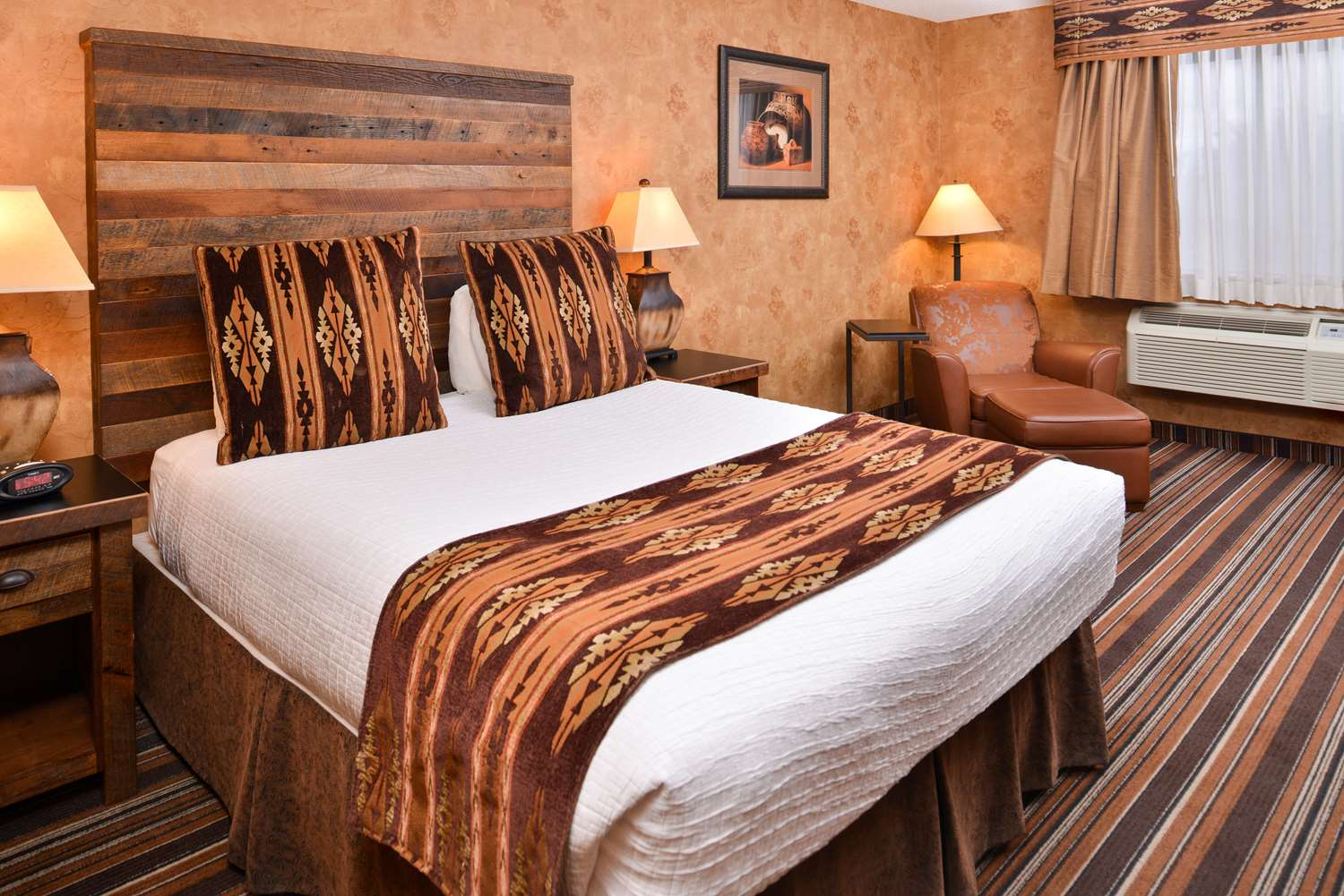 Room - Best Western Plus University Inn Santa Fe