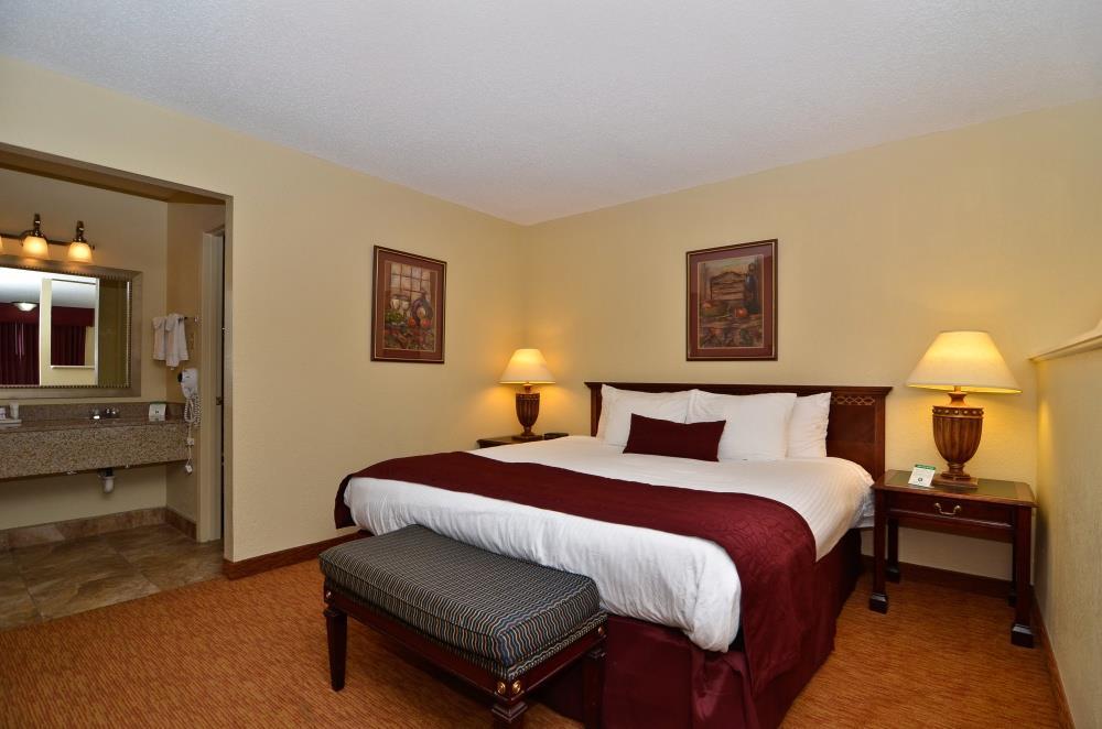 Room - Best Western Pine Springs Inn Ruidoso