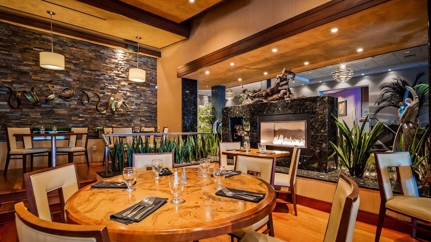 Restaurant - Best Western Plus Oswego Hotel & Conference Center