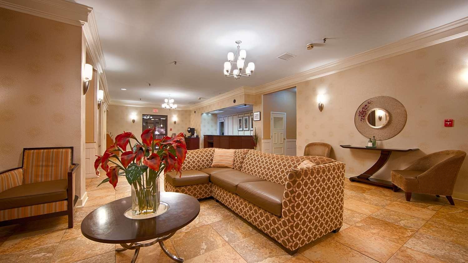Lobby - Best Western Watertown Fort Drum Hotel