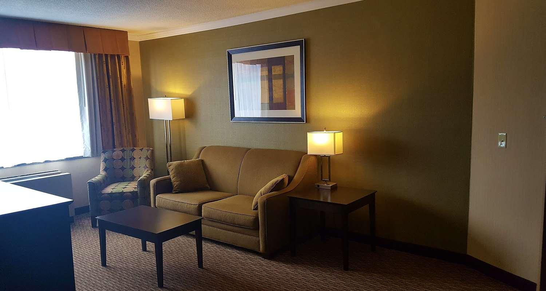 Suite - Best Western Watertown Fort Drum Hotel