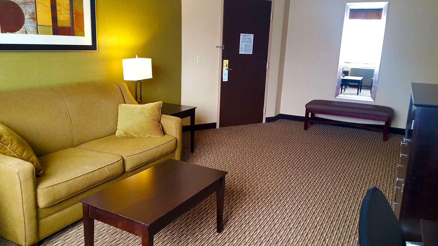 Best Western Watertown Fort Drum Hotel, NY - See Discounts