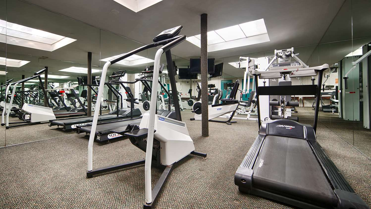 Fitness/ Exercise Room - Best Western Woodbury Inn