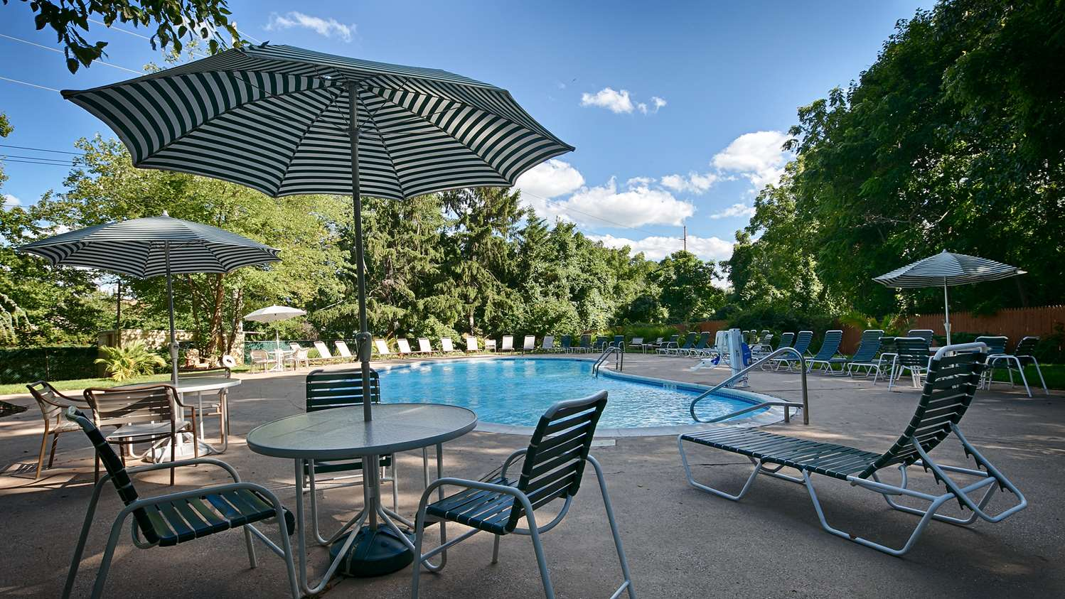 Pool - Best Western Woodbury Inn