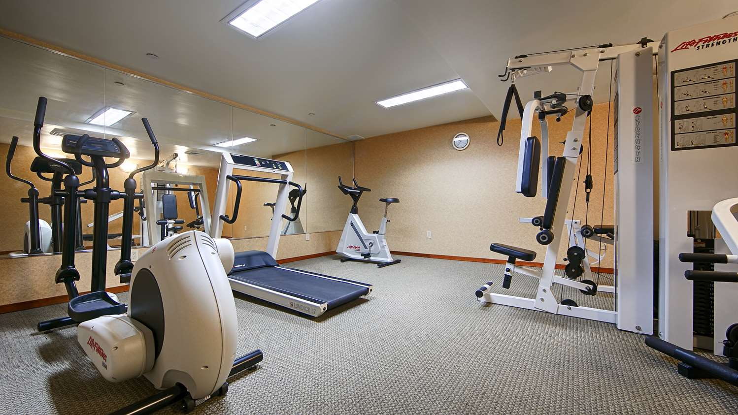 Fitness/ Exercise Room - Best Western Queens Court Hotel Flushing Queens