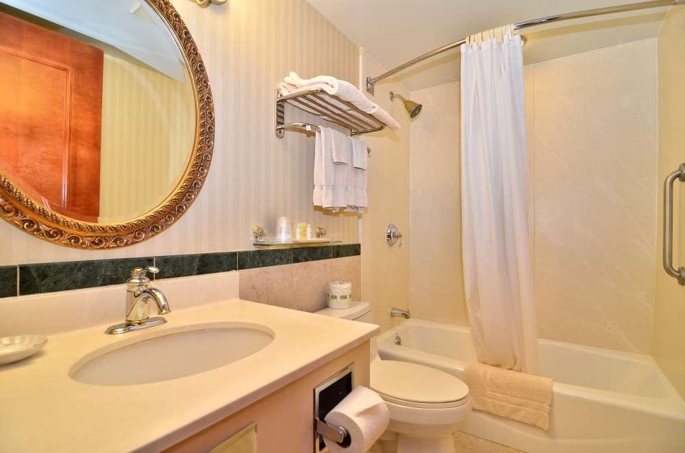 Room - Best Western Queens Court Hotel Flushing Queens