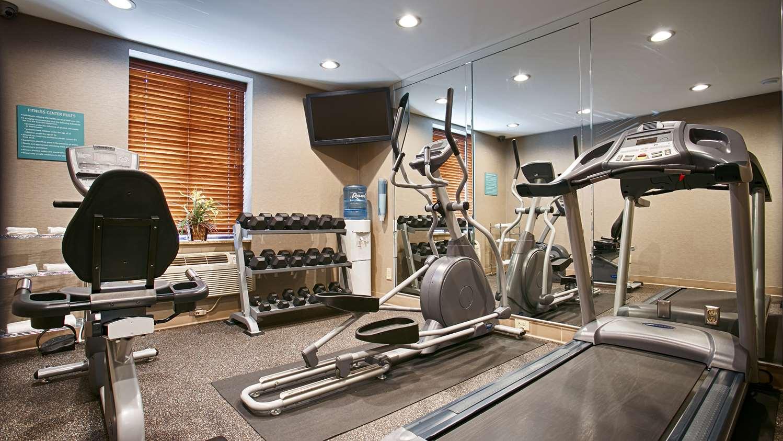 Fitness/ Exercise Room - Best Western Queens JFK Airport Inn Jamaica