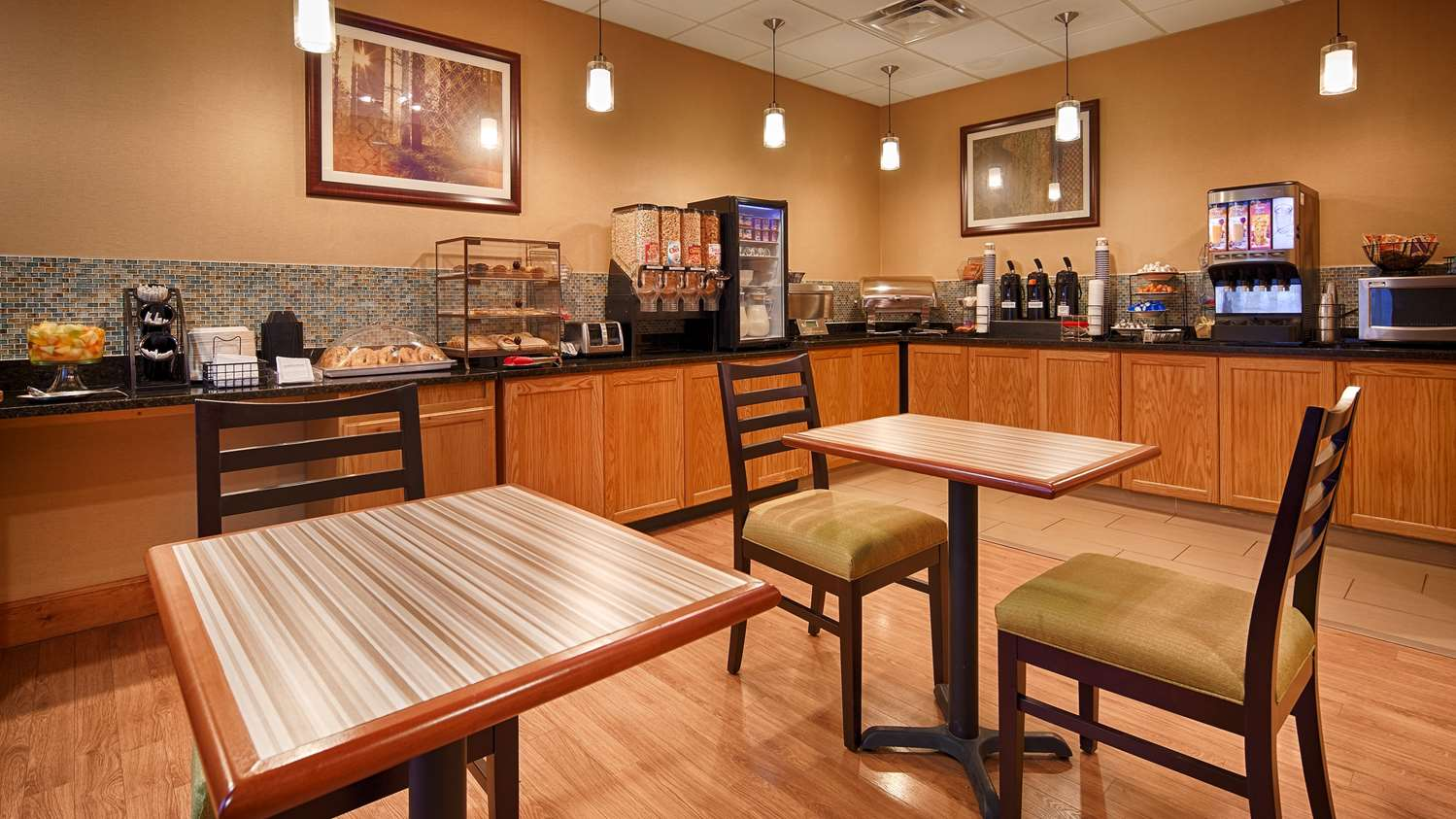 Restaurant - Best Western Plus University Inn Olean