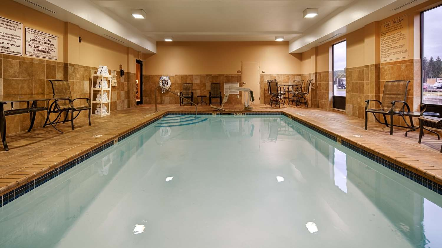 Pool - Best Western Plus University Inn Olean