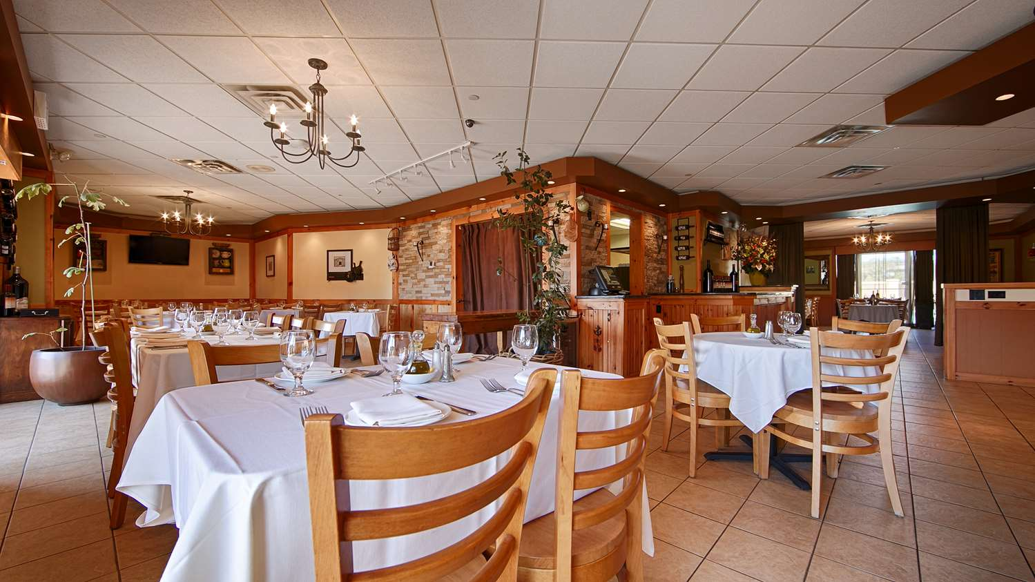 Restaurant - Best Western Mill River Motel Rockville Centre