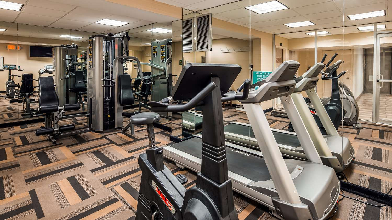 Fitness/ Exercise Room - Best Western Mill River Motel Rockville Centre
