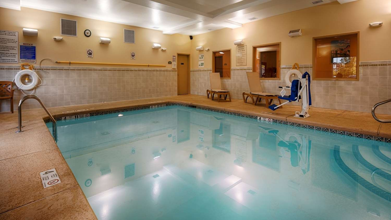 Pool - Best Western Plus Victor Inn & Suites