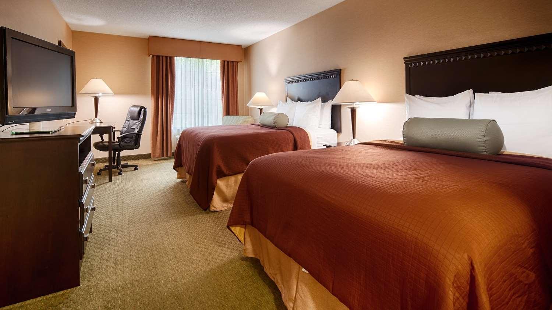 Room - Best Western Plus Victor Inn & Suites